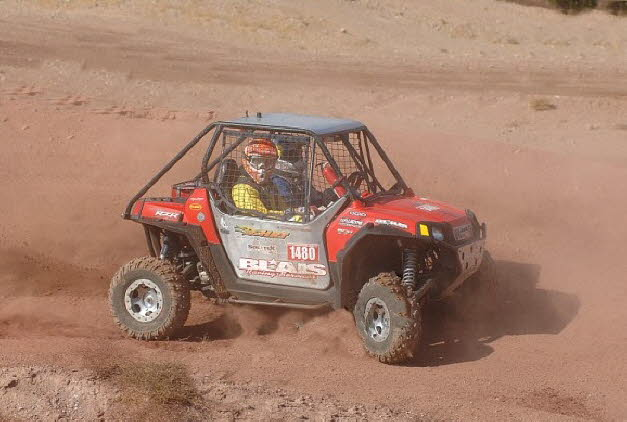 Chris driving his Rzr 2009 Searchlight